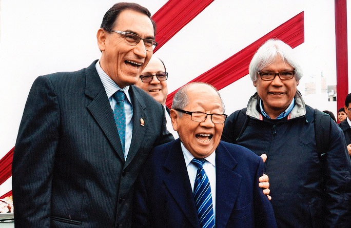 Ing. Julio Kuroiwa Horiuchi con el Presidente Vizcarra